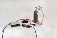 Figure 1 - A nitrogen controller and tank are required to make nitrogen hot air welds.