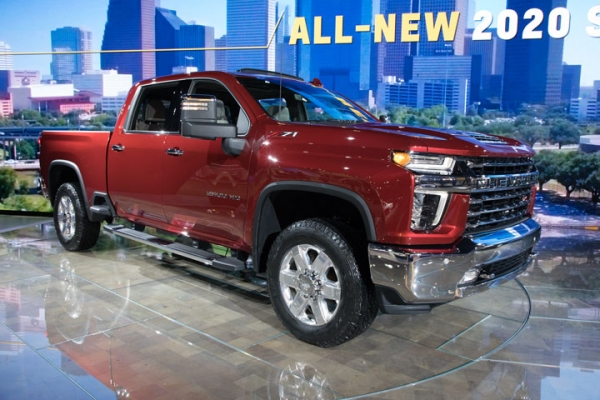 2019 Chicago Auto Show: 2020 Chevrolet Silverado and GMC Sierra HD