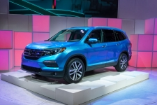 The 2016 Honda Pilot may have optional backup sensors.