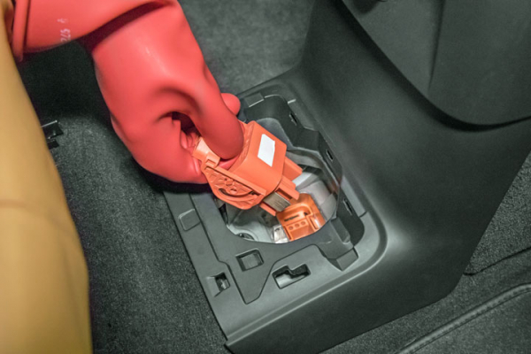Hybrid And Electric Vehicle Battery Precautions